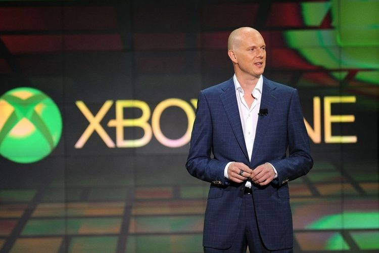 sm-phil-harrison-xbox-one-announce-getty_1280-0-0-750-3648125-5745312